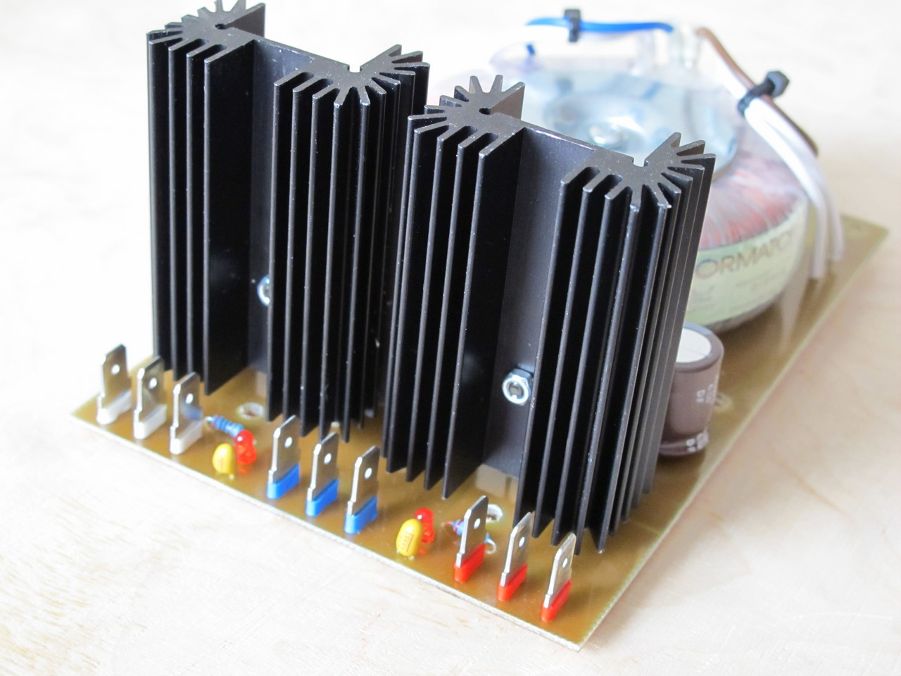 Modular synth power supply - SyntherJack