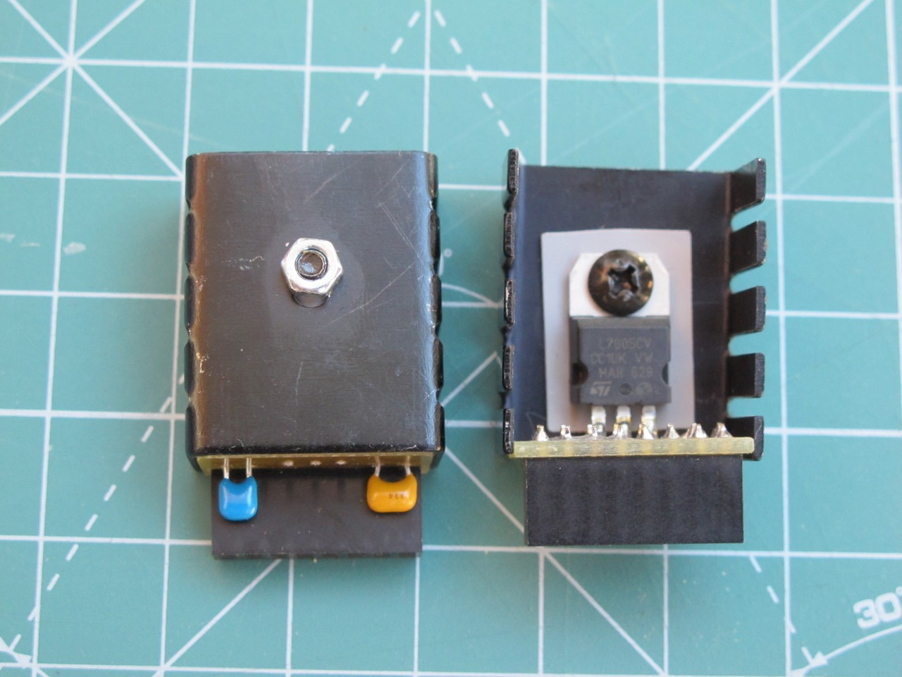 5 V adapter, front view
