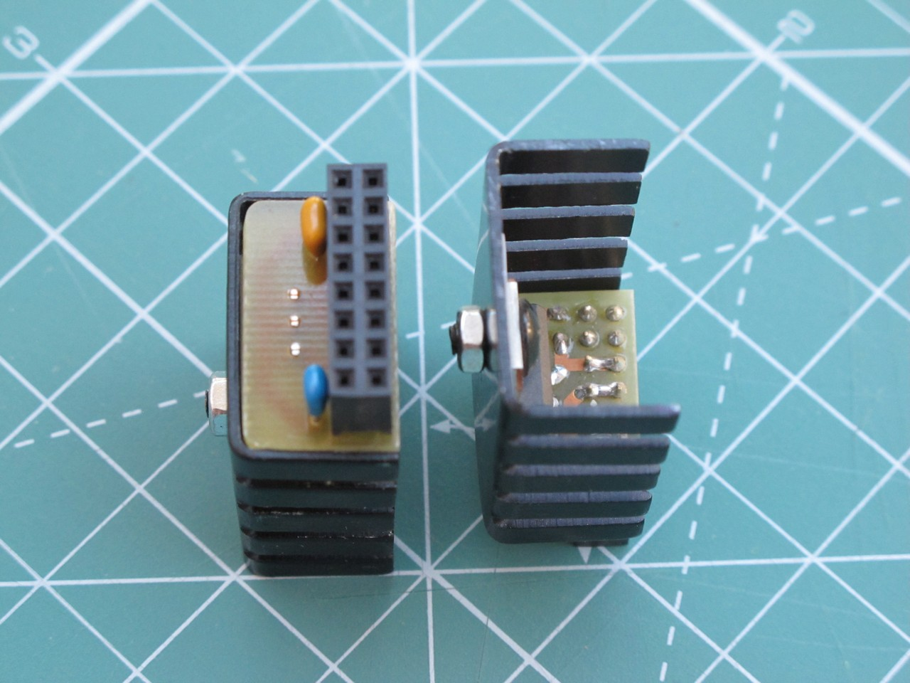 5 V adapter, side view