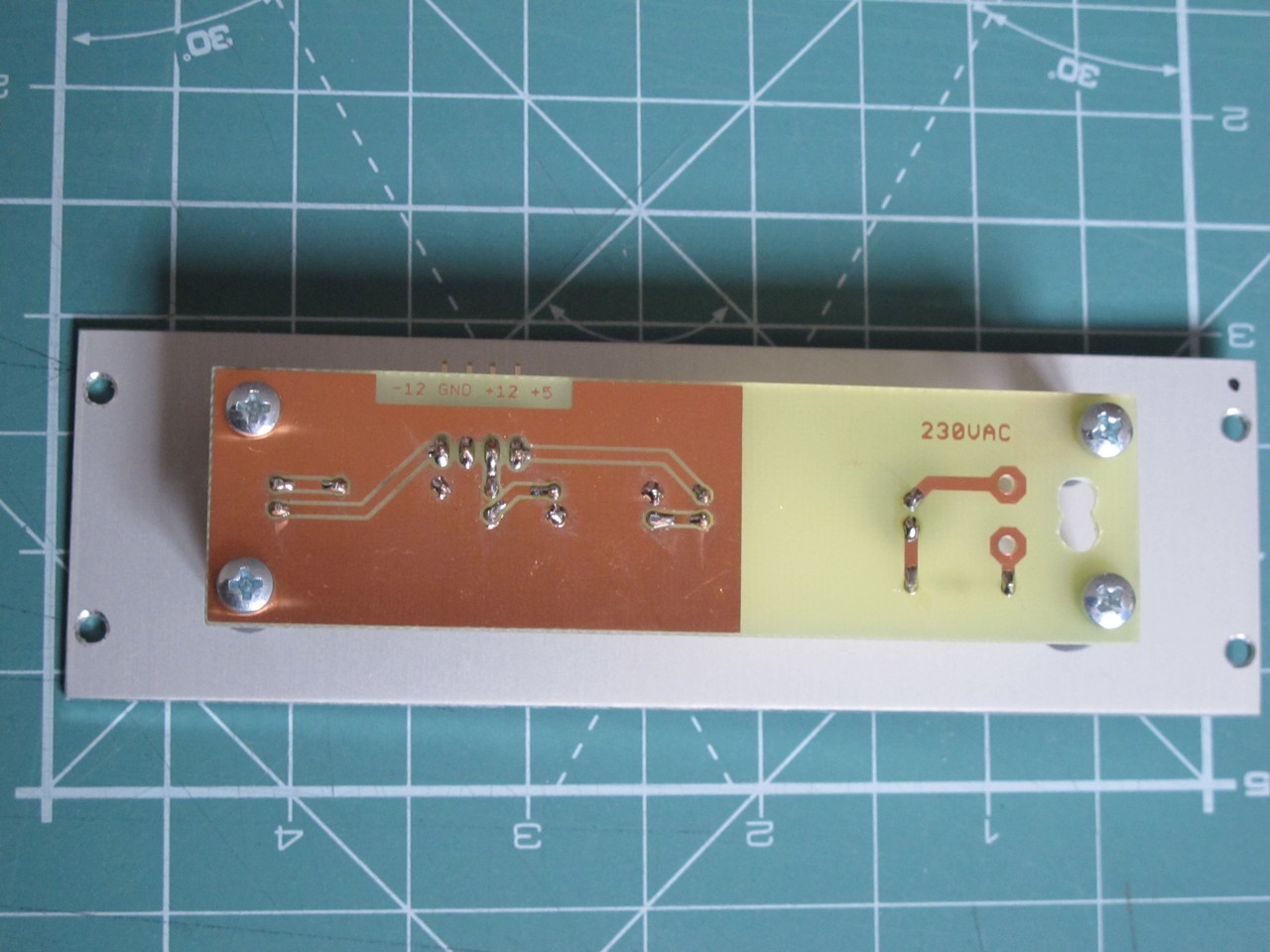 Tetsuo eurorack power supply indicator, back shot