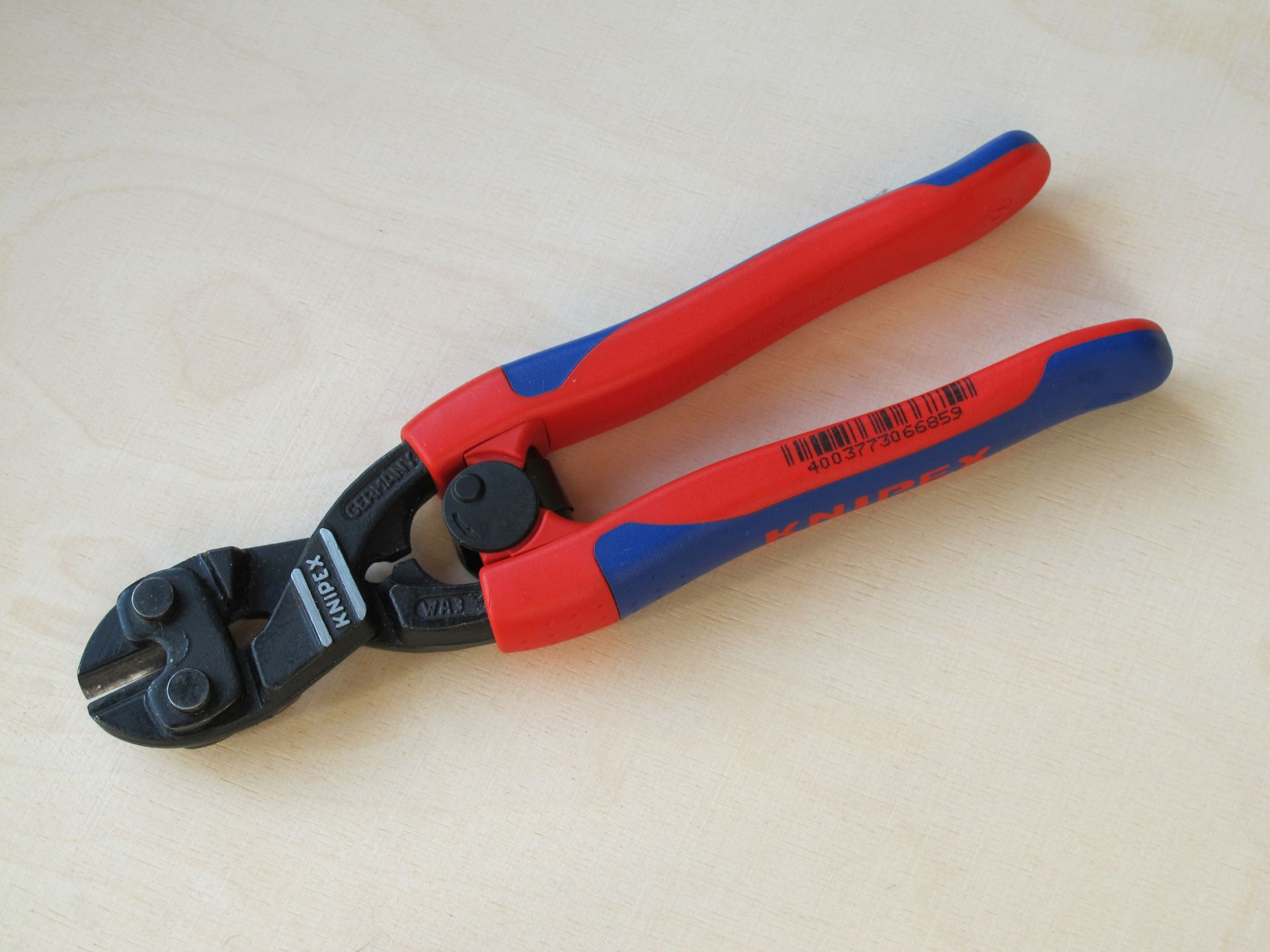 Photo of bolt cutter